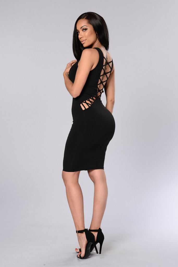 Hips Don't Lie Dress - Black
