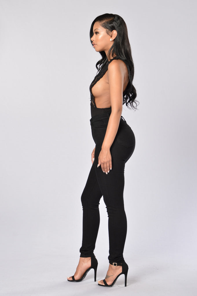 Your Dream Girl Bodysuit - Black