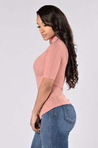 Flaunt It Top - Mauve