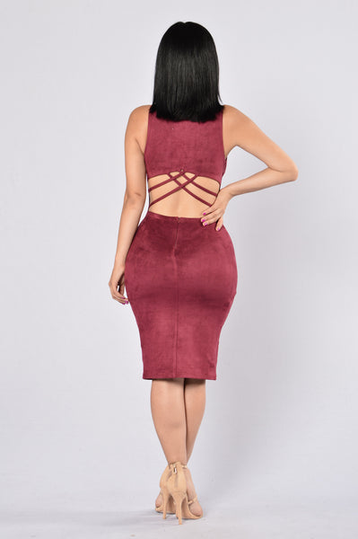 Behind Their Back Dress - Burgundy