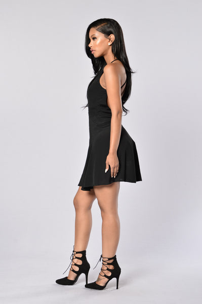 Simply Chic Dress - Black