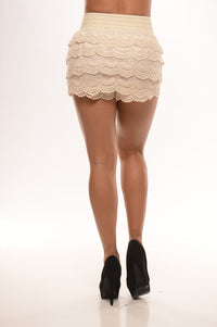 Country Chic Shorts - Beige