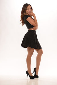 Embossed With Flowers Skirt - Black Angle 2