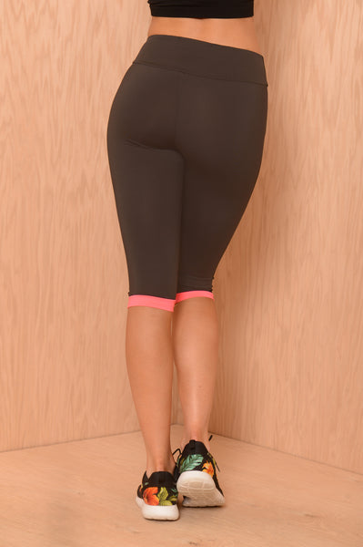 Hot Pursuit Crop Legging
