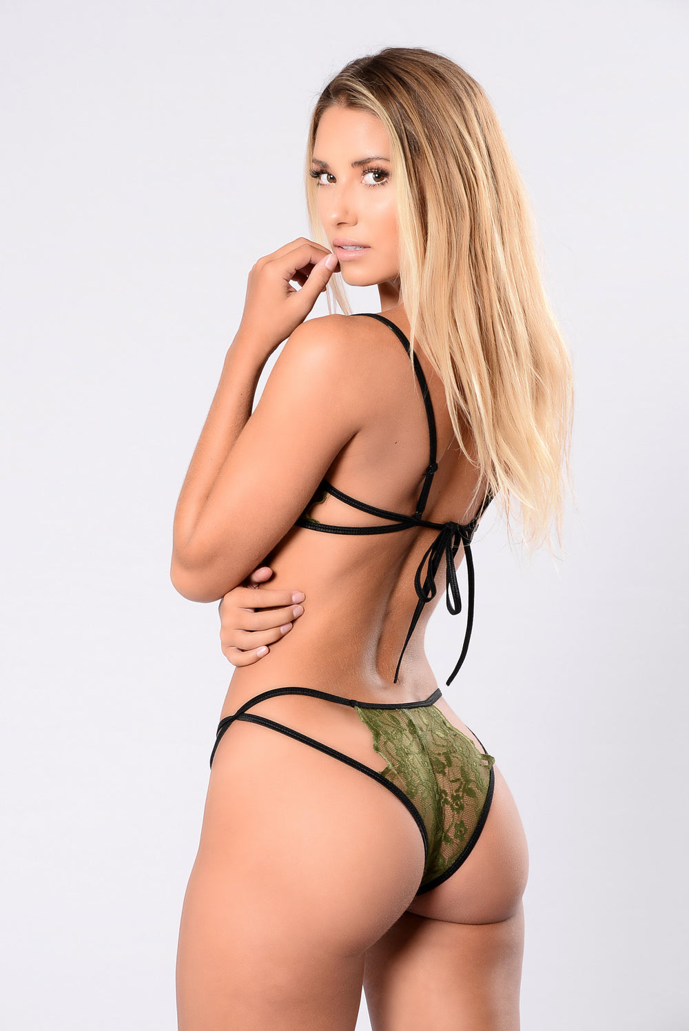 Hot lingerie set in green with lace one size fits all