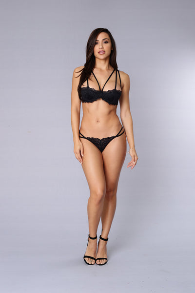 Thrill Me Lace Lingerie Set - Black