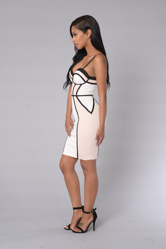 Captivating Dress - Black/Nude
