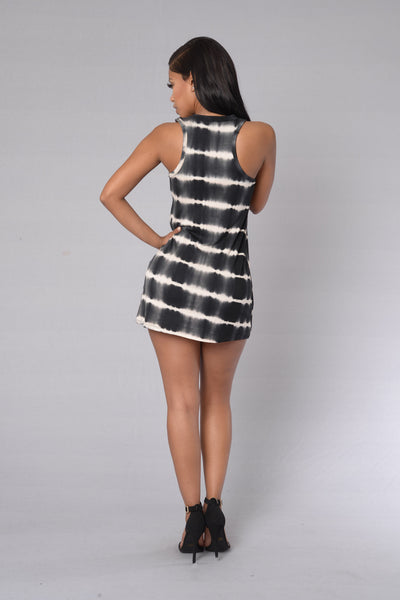 Coolest Spring Dress - Black/White
