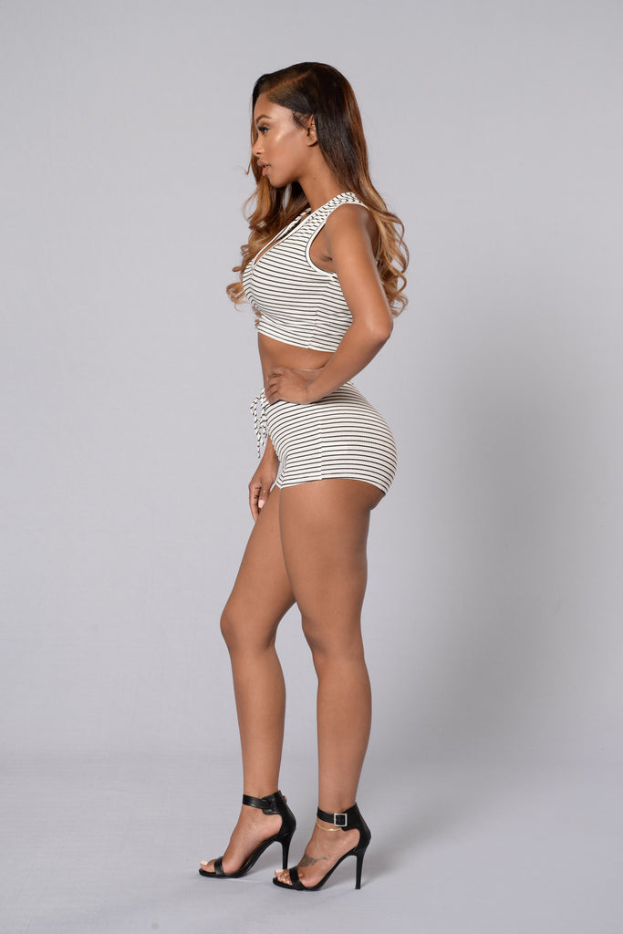 Bring It On Shorts - Ivory/Black