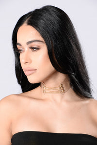 Make My Lips Quiver Choker - Clear/Gold