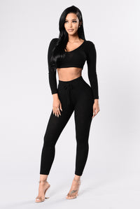 Cute all black leggings for casual and working out Angle 3