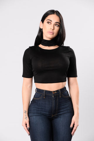 Edge Out Top - Black