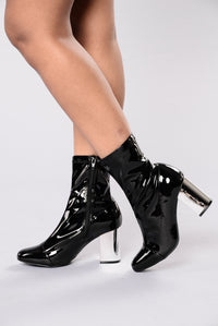 Pedal To The Metal Boot - Black