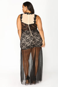 Lace And Lovers Maxi Dress - Black