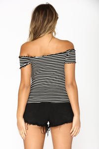 Braelynn Striped Top - Black/White