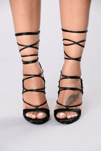 Strap Trap Heel - Black