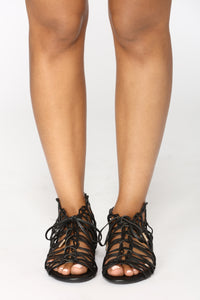 Hot Stepper Sandals - Black