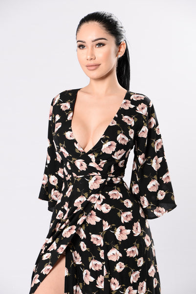 It Looks Good To Me Dress - Black Floral