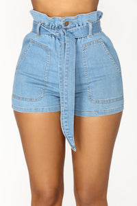 Good Life High Rise Shorts - Light Wash