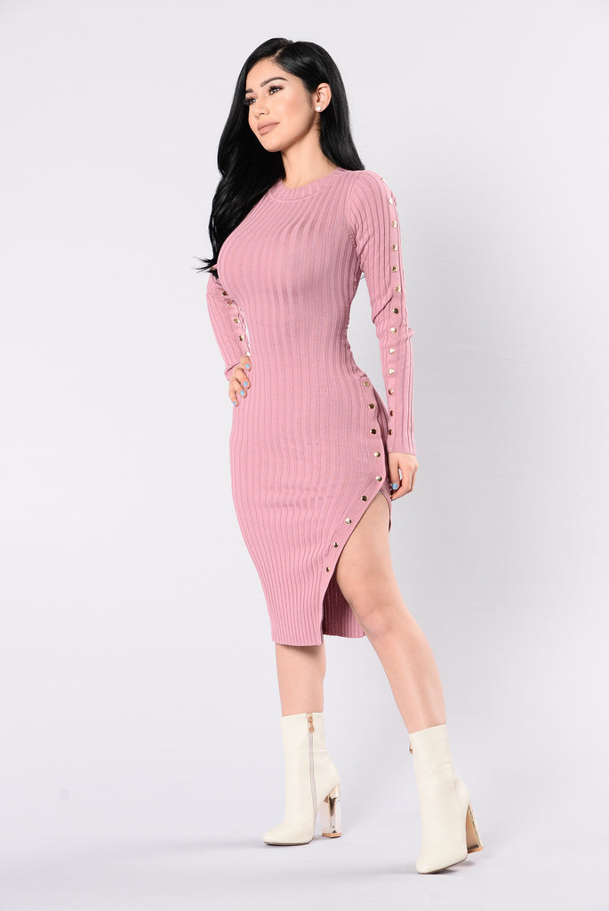 Go Out On The Weekends Dress - Dusty Mauve