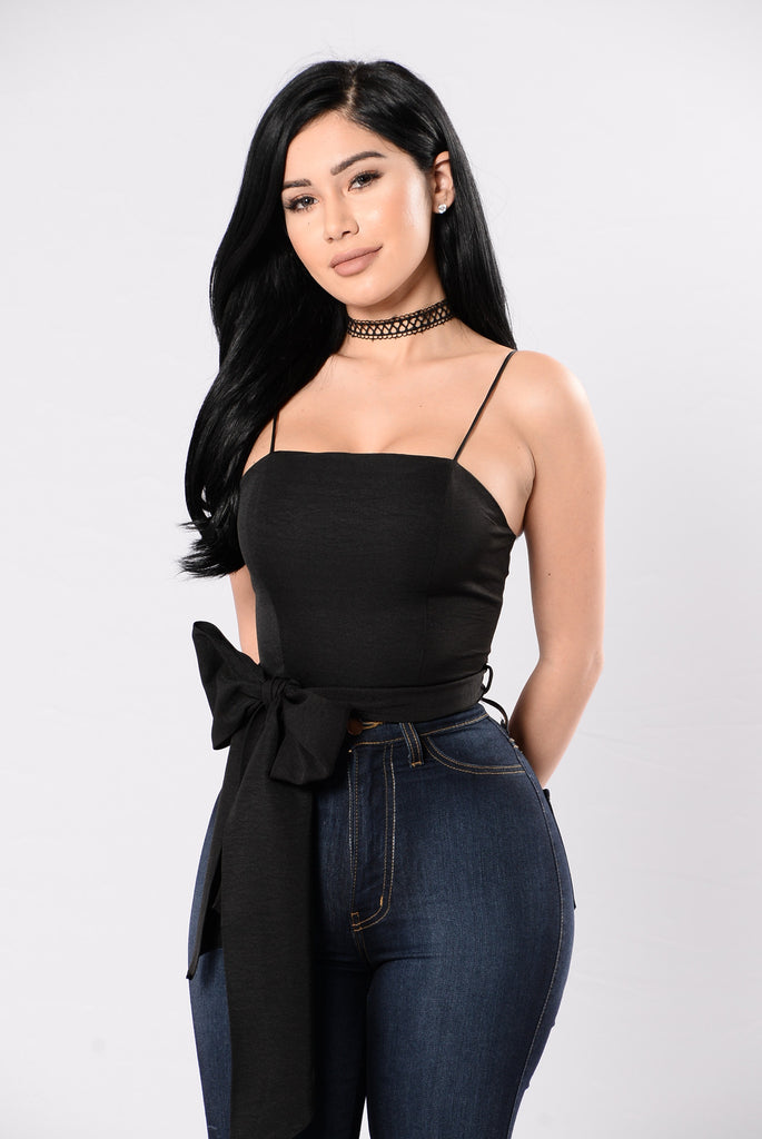 Text Me Back Top - Black