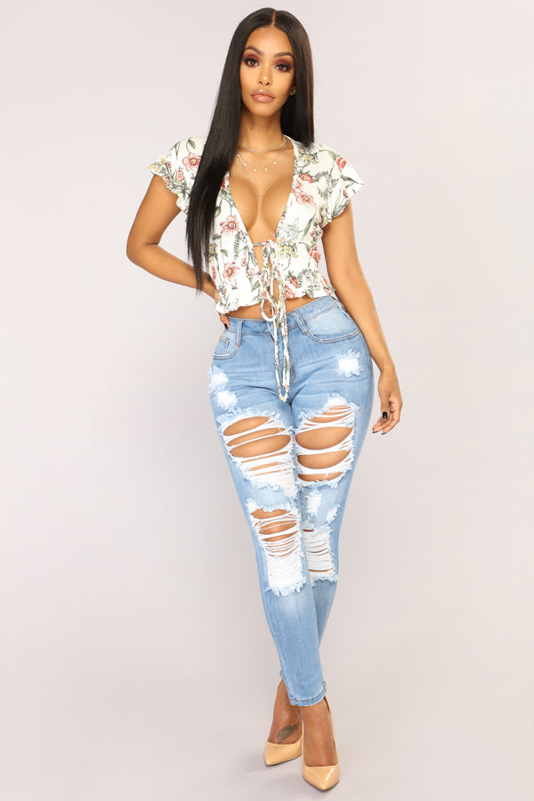 e0a48a55bdcfd Give Good Love Skinny Jeans - Light Blue Wash