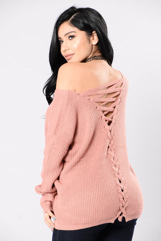 Heat Of The Night Sweater - Mauve