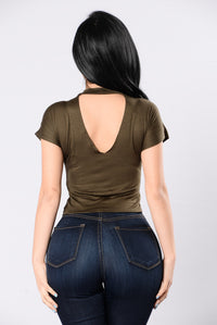 Look My Way Top - Olive