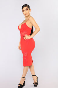 Keep Up With My Vibe Midi Dress - Red
