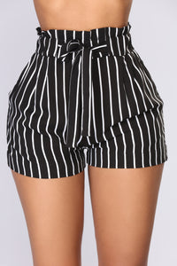 Clara Stripe Pleated Shorts - Black/White
