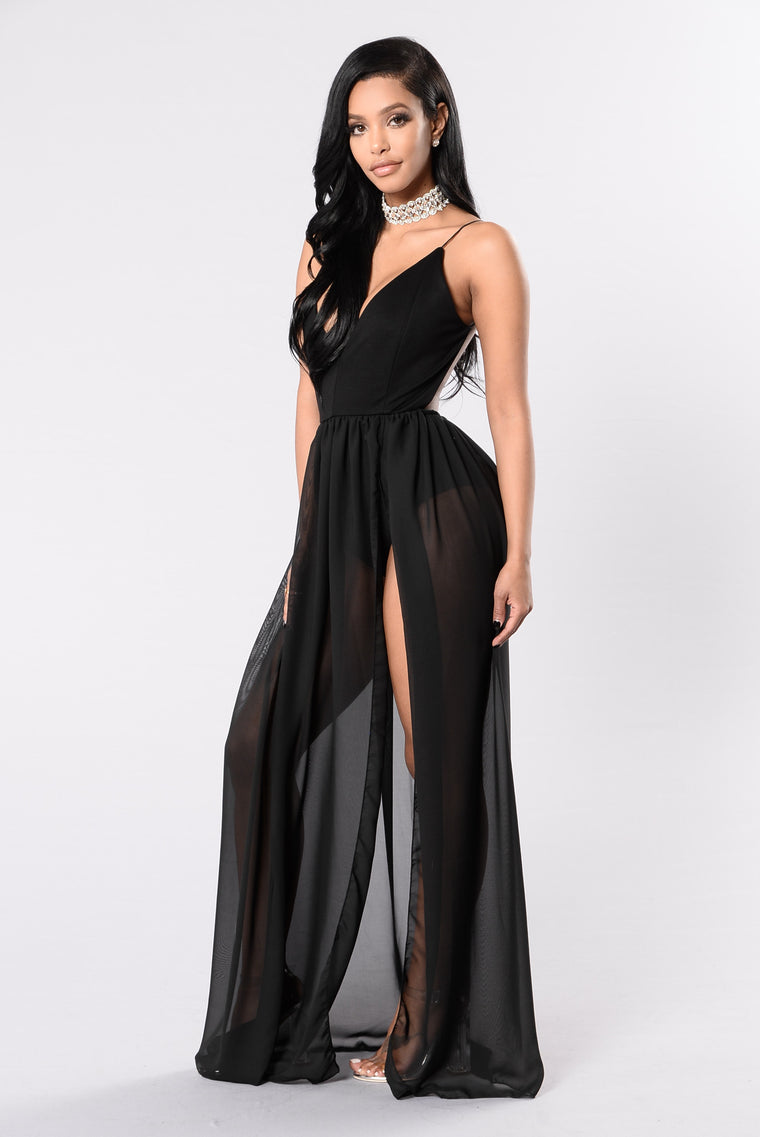 She's Looking At You Dress - Black