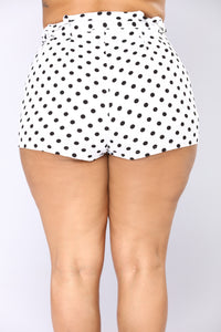 To The Point High Rise Shorts - White/Black