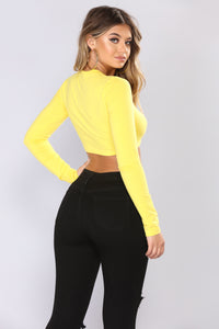 I Like You Today Crop Top - Yellow/Black
