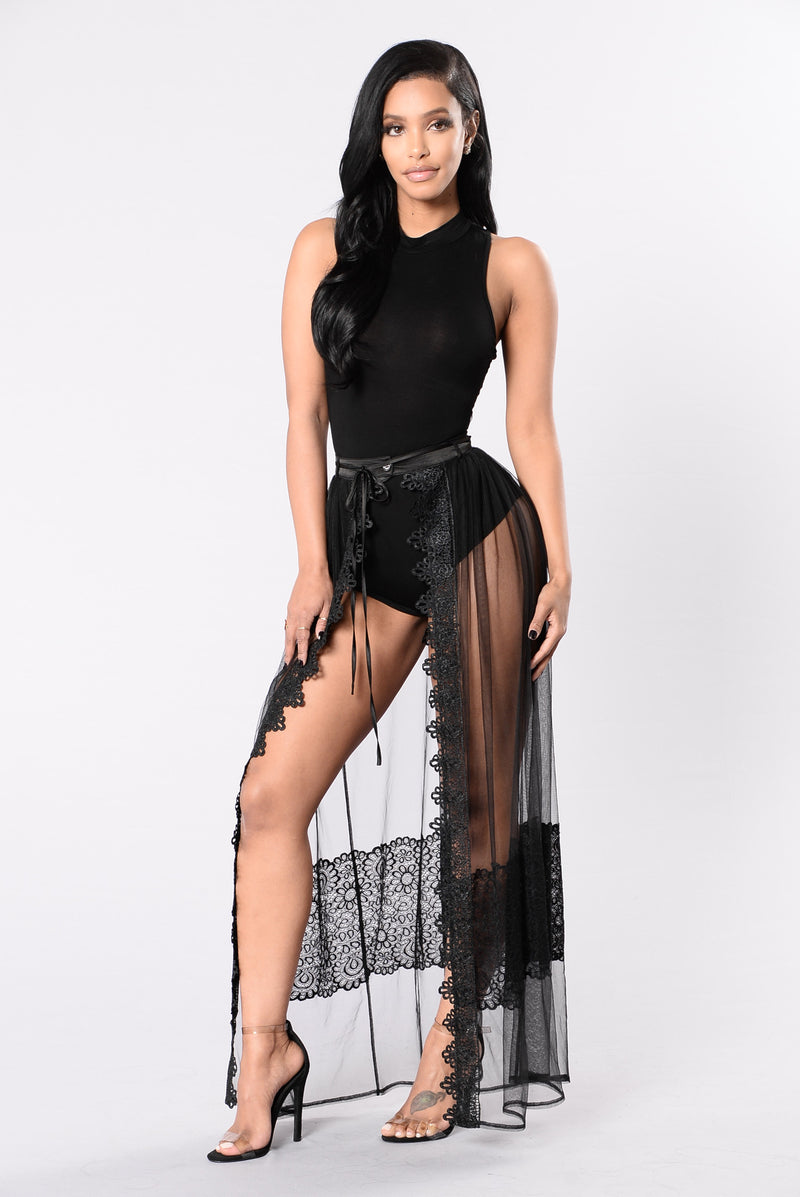 Spark In The Dark Skirt - Black