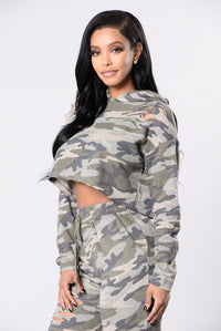 Spending Everyday Top - Camo