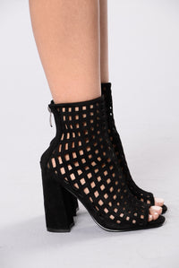 Broken Hearts Bootie - Black