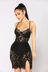 Dropping Hints Lace Dress - Black