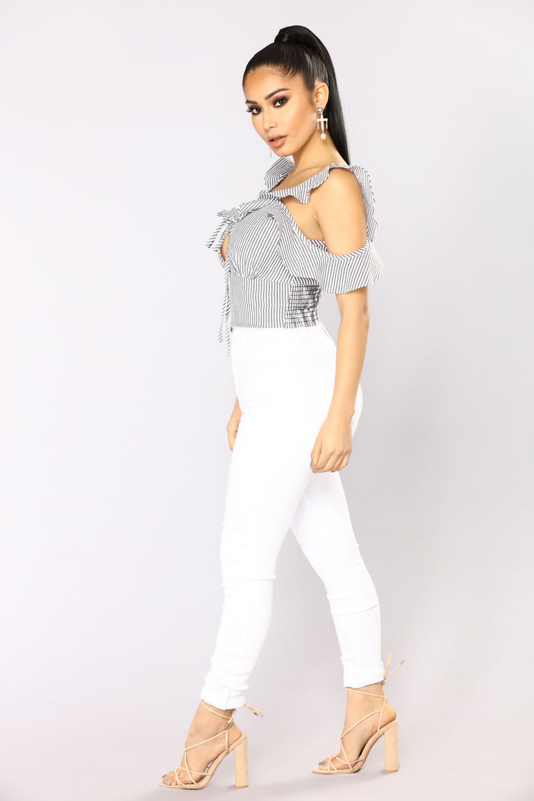 Addison Cold Shoulder Top - Grey/White