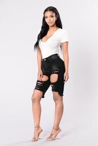 Lost In The Thrill Of It All Shorts - Black