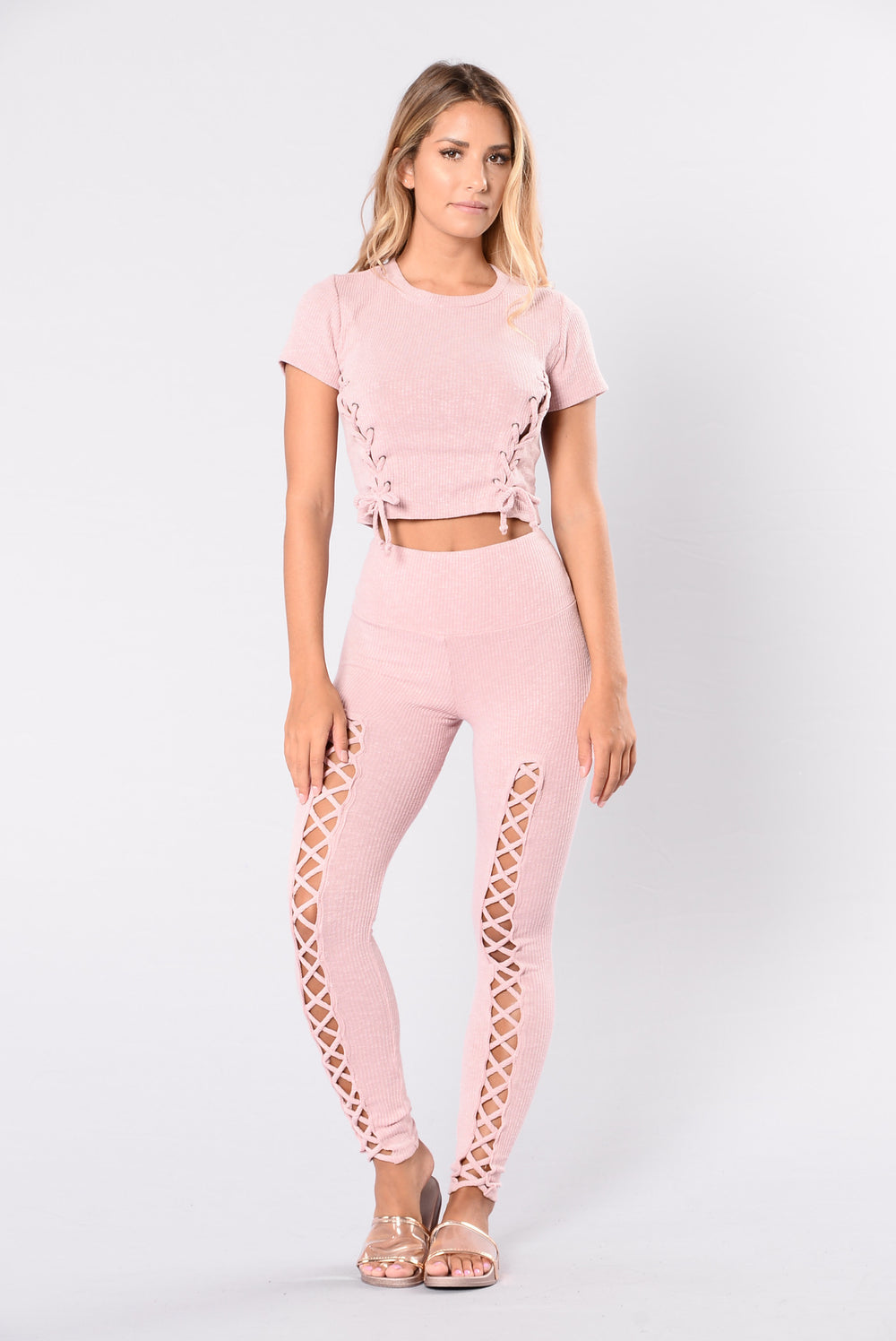 Lace leggings in rose pink color