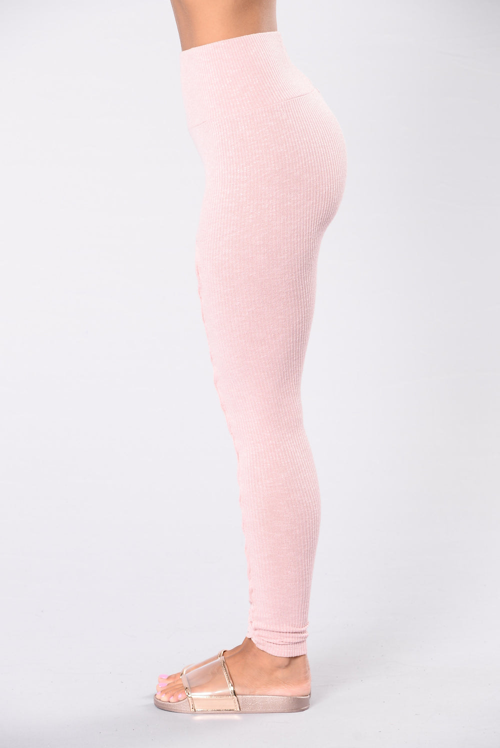 Yoga pants in pink rose color