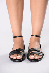 Sure Know How Sandal - Black