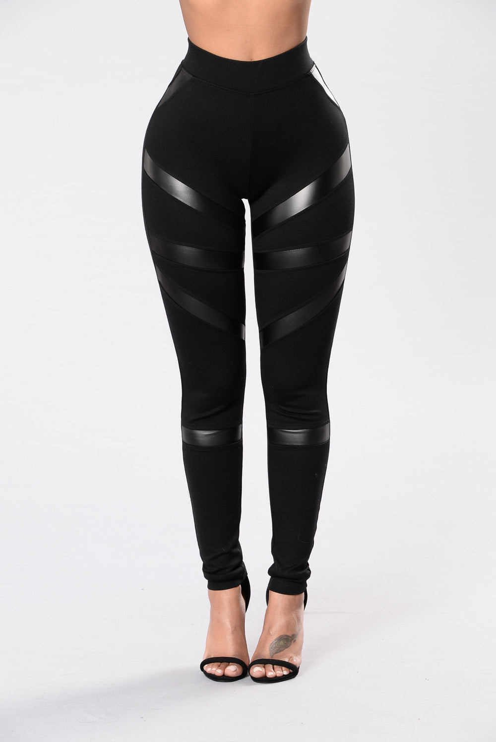 Mislead You Leggings - Black