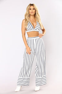 Live In The Moment Stripe Set - White/Blue