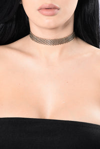 You Take My Breath Away Choker - Gold