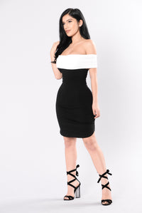 Short Stuff Dress - Black/White Angle 4