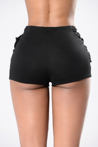 Out of Nowhere Shorts - Black