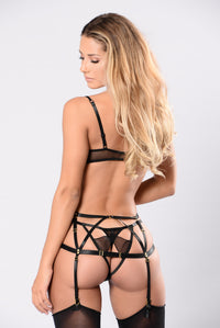 Secret Hiding Spot Garter Belt - Black