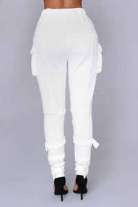 Unhinged Jogger - White