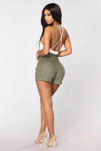 Rays Of Sunshine Linen Shorts - Olive Angle 5